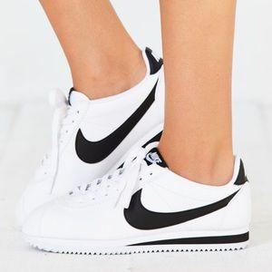 Nike Classic Cortez Leather Sneaker NIB Size 7Y